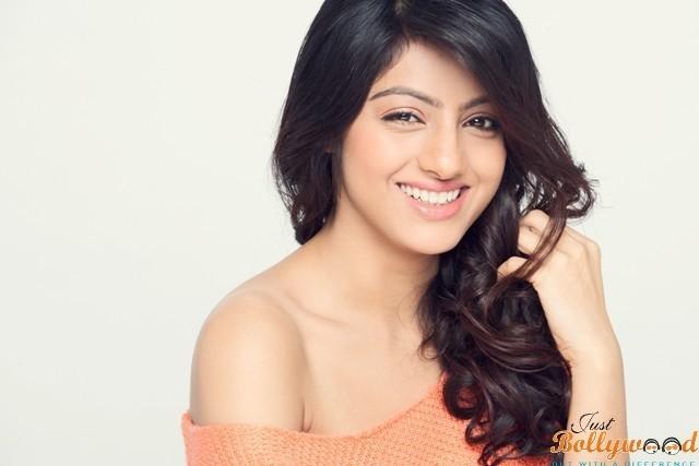 Deepika-Singh (2)