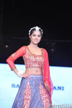 deepika-singh-at-5th-edition-of-charity-fashion-event-2
