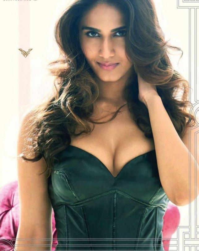 Hot-Vaani-Kapoor-Maxim-India-Photoshoot-Hq-August-2014-full-set-scans