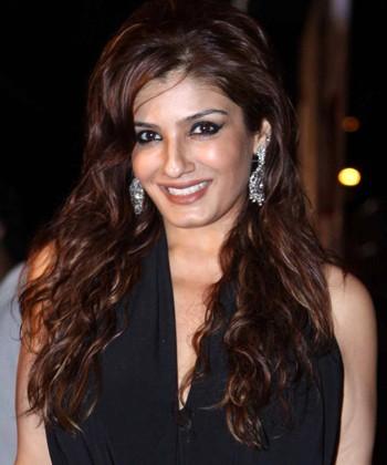 Raveena-Tandon-Bra-Size-wiki-Hot-Images