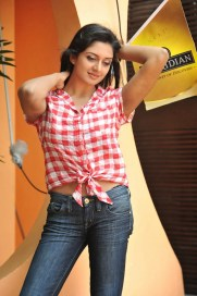 Actress Vimala Raman Photo Gallery in Jeans and Shirt CelebsNext 0012