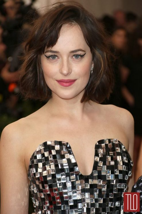 Dakota-Johnson-2015-Met-Gala-Red-Carpet-Fashion-Chanel-Couture-Tom-Lorenzo-Site-TLO-4