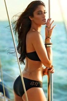 ileana-dcruz-poses-in-bikini-for-hot-picture-201607-760314