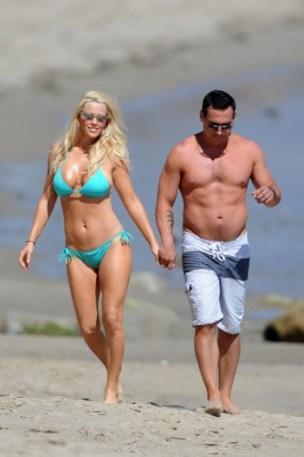 Jenny-McCarthy-Bikinis-in-Malibu-With-Her-Boyfriend-and-Son-2-373x560