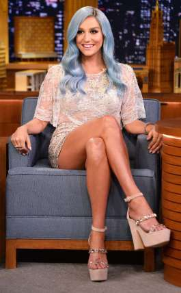 rs_634x1024-140724162149-634.The-Tonight-Show-Starring-Jimmy-Fallon-Kesha.ms.072414
