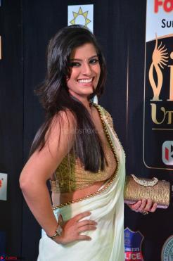 Varalakshmi in Cream Saree Sleeveless Backless Deep Neck Choli at IIFA Utsavam Awards March 2017 005