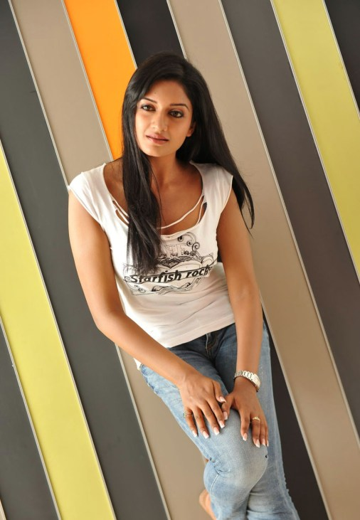vimala-raman-hot-photos-exclusive-0cd19ce21