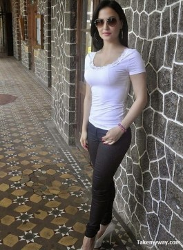 Elli-Avram-Hot-Bold-Wallpapers-Collections-6