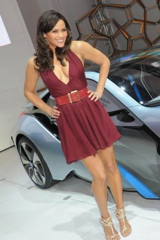 paula-patton-hot-cleavage-mission-impossible-c5298f29897474f60f1ffdab7137d46a-large-1557462
