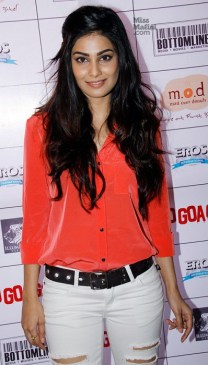 Puja-Gupta-premiere-of-Go-Goa-Gone