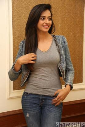 rakul-preet-singh-jeans-photos-at-rough-movie-success-meet-5