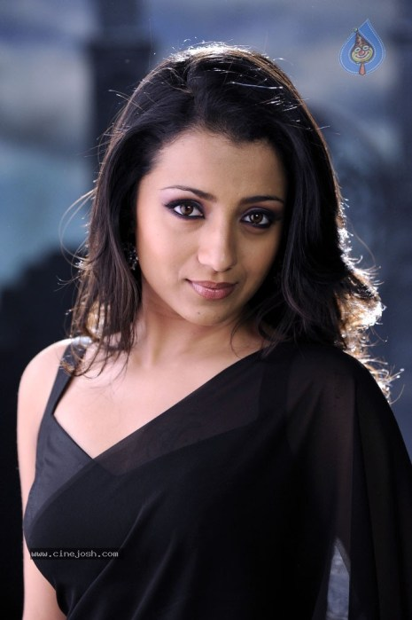 trisha_hot_gallery_3110120912_043