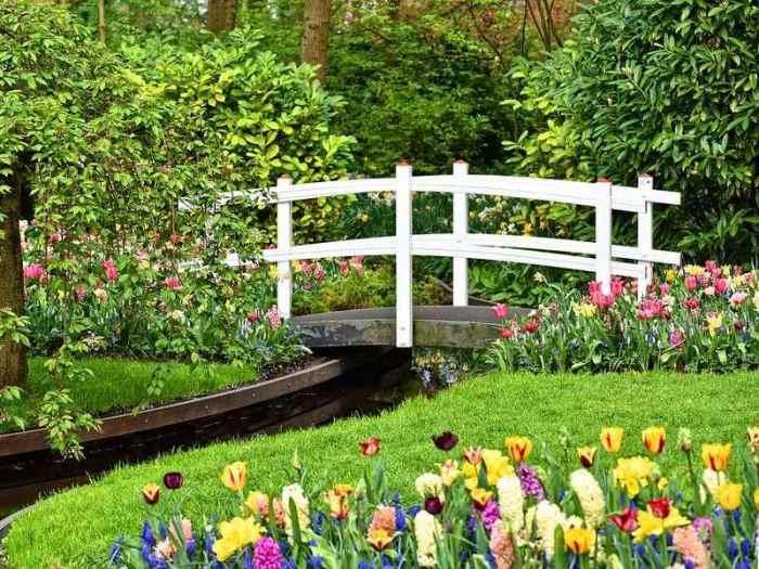 Best Garden Bridge