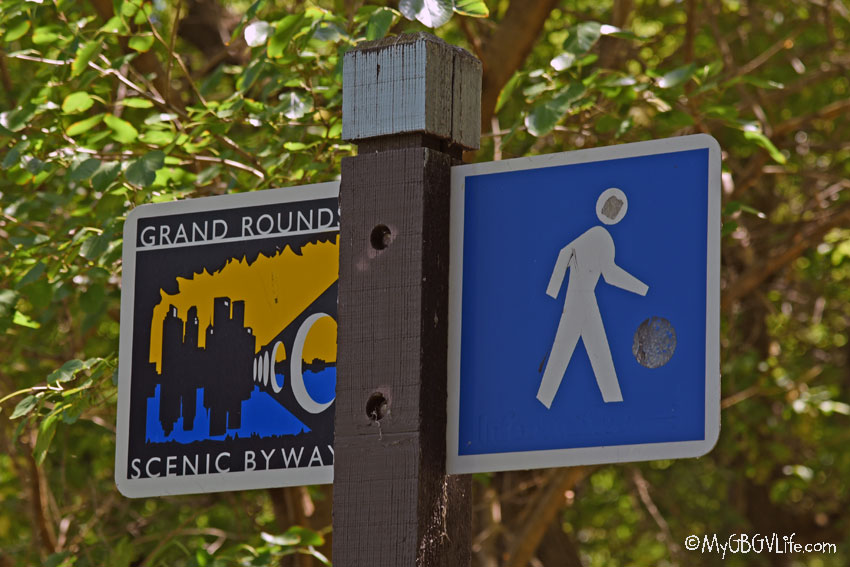 grand rounds sign