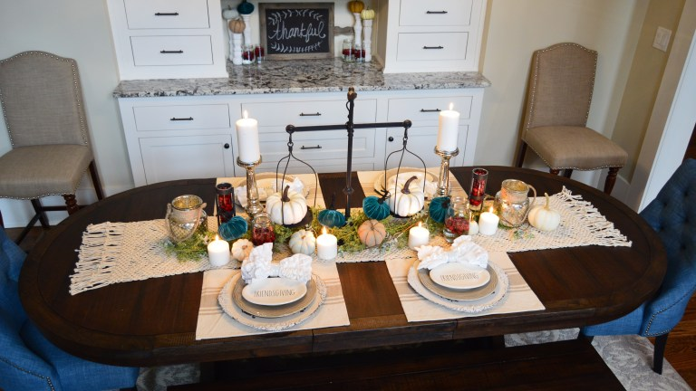 Easy Peasy Thanksgiving Tablescape