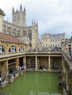 The classic Bath view of the abbey behind the Roman Baths