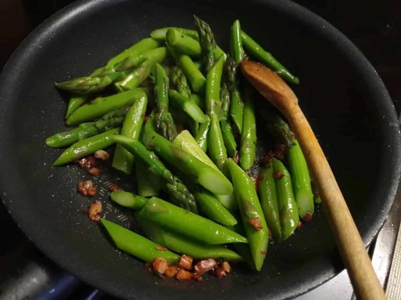 Stir frying asparagus