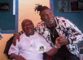 Stonebwoy pays courtesy call on Chief of Elmina   See Photos + Video