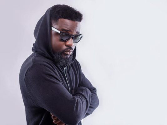 Africa needs 'dictatorship' – Sarkodie
