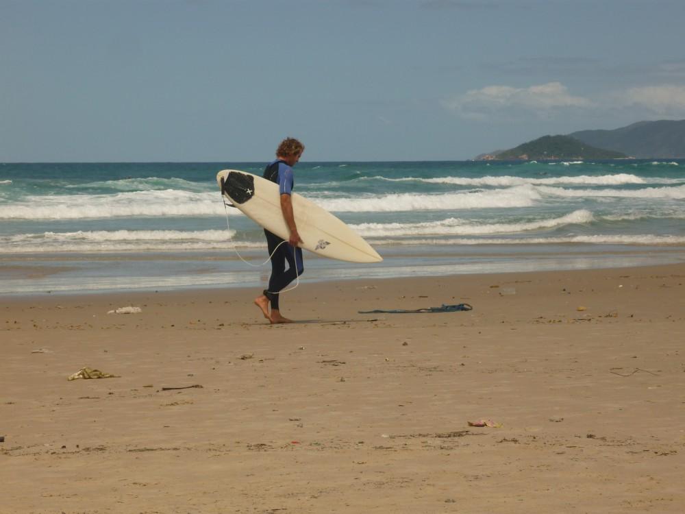 Surfeur à Joaquina