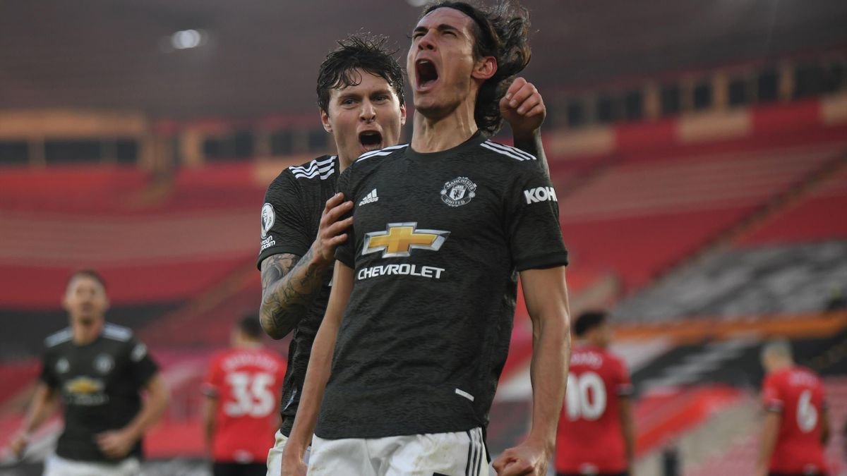 33 Year Old Cavani Assist & Score Twice in a 5 Goal Thriller