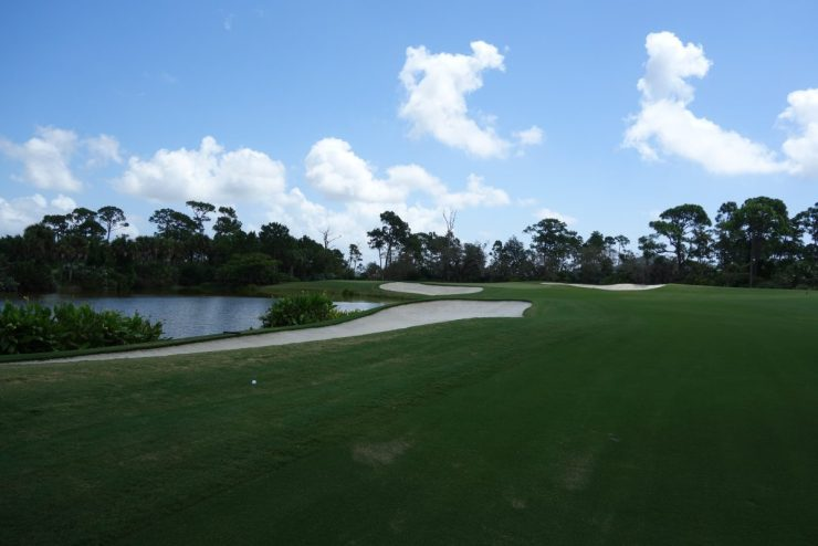 Approach shot to 11th