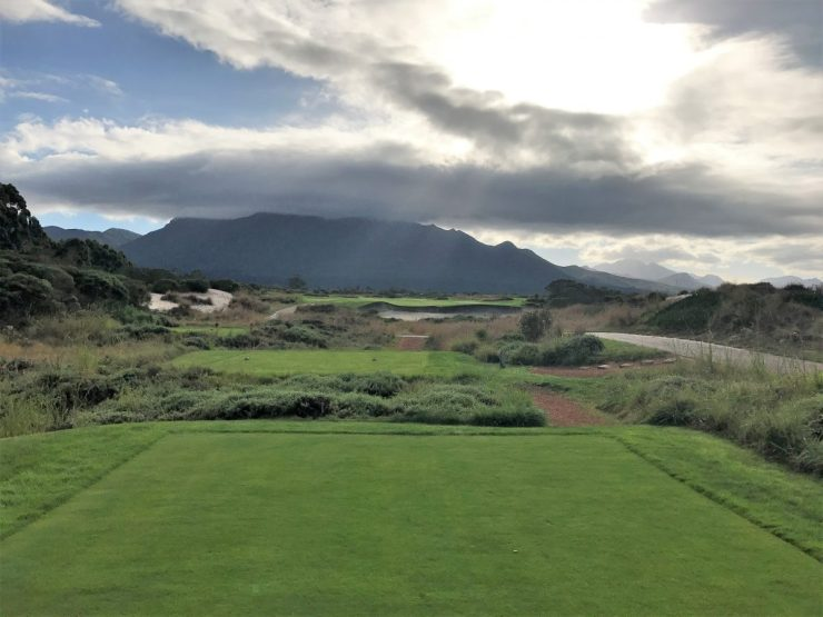 4th hole at fancourt links