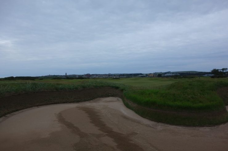 bunker on hole 14 st Andrews old course