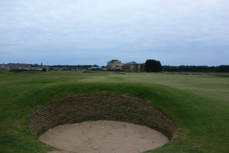 bunker on 16th hole st andrews