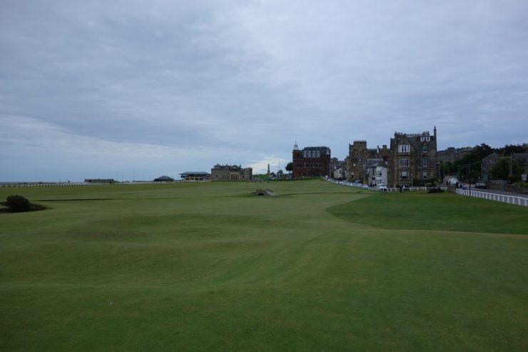 tee shot on 18th hole st Andrews old course