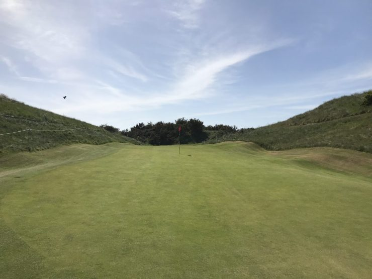 approach to hole 2 gullane