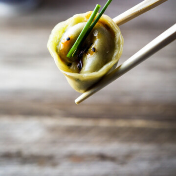 homemade dumplings with peanut chilli sauce single