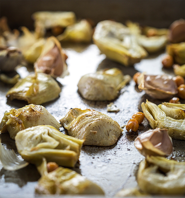 roasted garlic and artichoke hummus ingredients