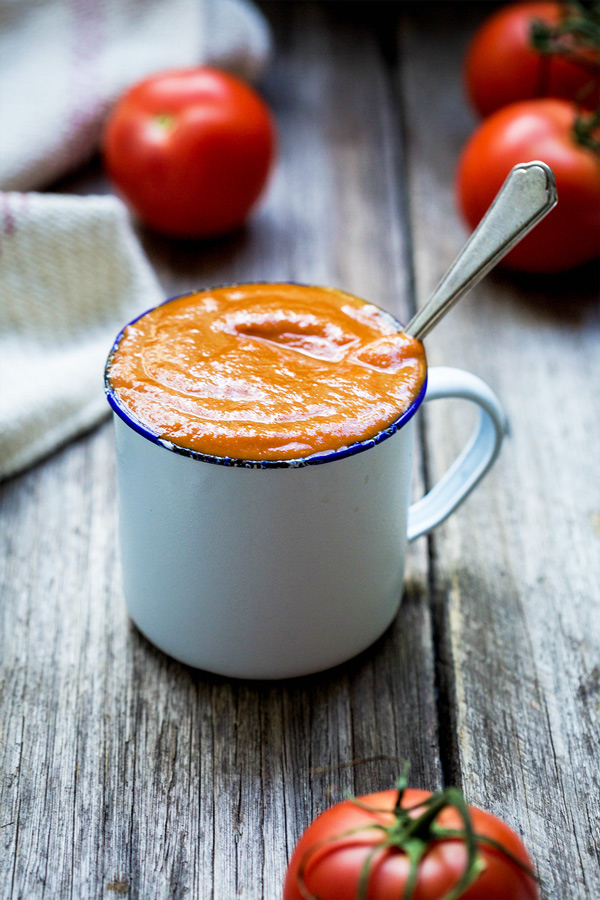 Loaded ketchup contains celery, onions, carrot, capsicum, fennel and freshly roasted tomatoes and garlic. It also has far less salt and no processed sugars.