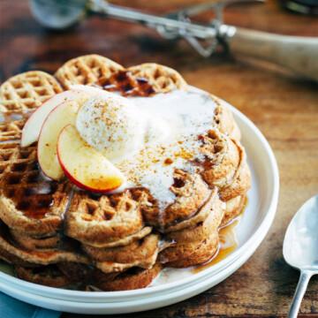 spiced apple pie waffles 3