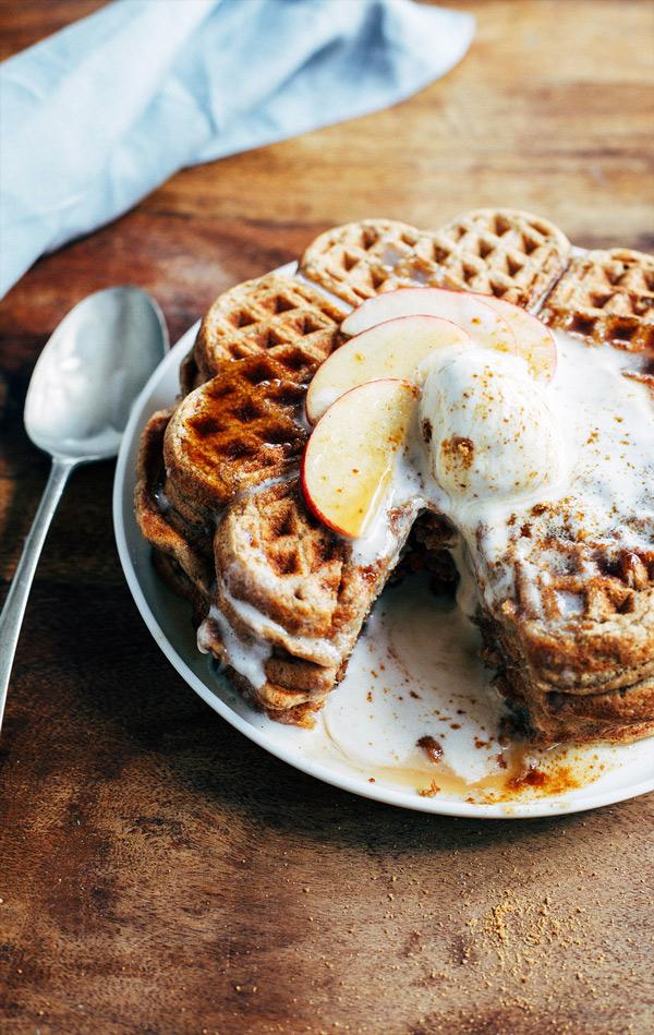 spiced apple pie waffles 4