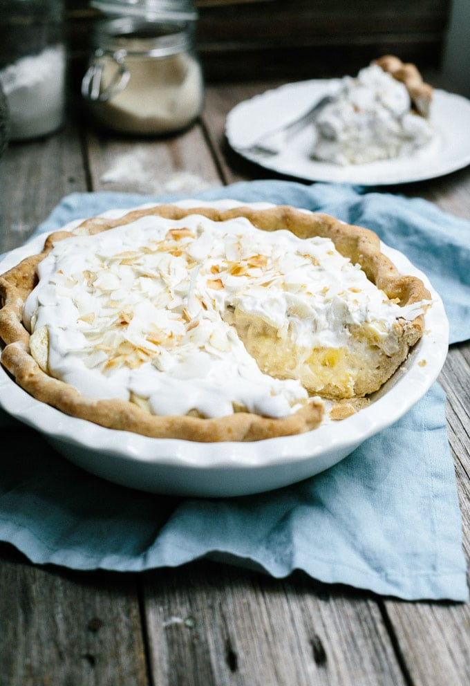vegan banana coconut cream pie 1
