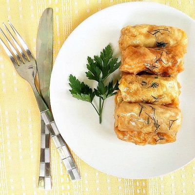 Easy Stuffed Cabbage Rolls (Romanian Sarmale)