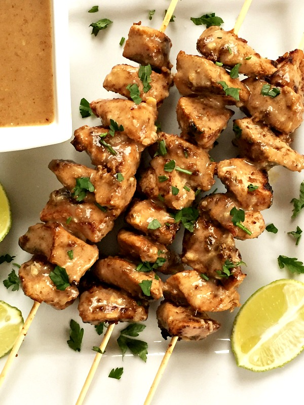 Chicken satay skewers with crunchy peanut butter sauce