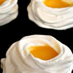 Meringue nests with lemon curd