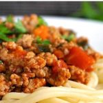 Turkey Bolognese, a healthy, protein-packed meal that gives comfort food a new meaning. A healthy dinner for the whole family to enjoy. Low fat, low calories, but so delicious.