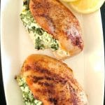 Stuffed Chicken Breasts with spinach and ricotta, a healthygluten free, low-carb, high-protein recipe that is super delicious, and super easy to make. My favourite chicken dinner recipe with only 300 calories per serving. Quick and easy, this is a great family favourite dish. If you are looking for healthy low fat recipes, these stuffed chicken breasts are the only recipe you need. Even kids will love it. #stuffedchickenbreast, #stuffedchicken, #chickdinnerrecipes, #spinach, #healthyrecipes