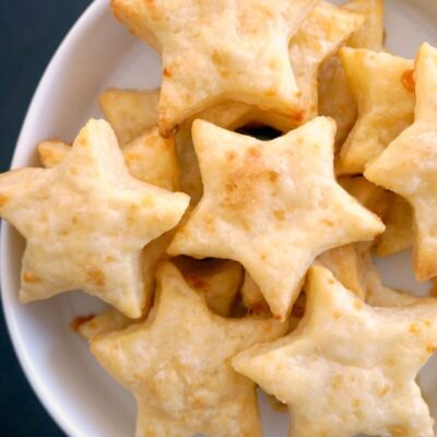 Homemade Cheese Crackers (Baby and Toddler Friendly)