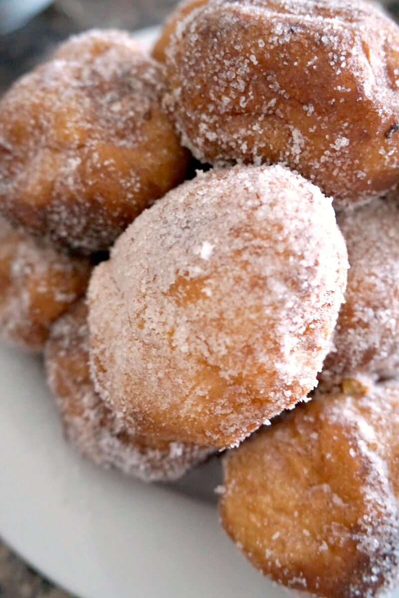 Close-up shoot of beignets on a plate