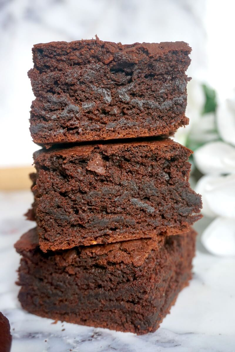 A stack of 3 brownies