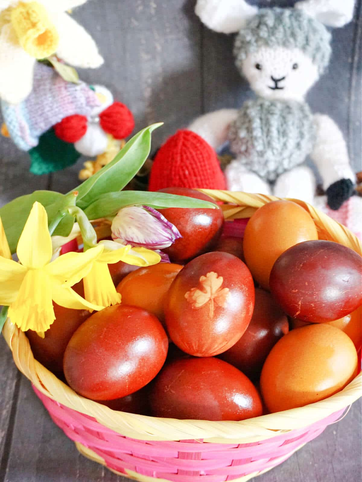A basket with dyed eggs for Easter