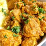 Easy Chicken Balti Recipe, a delicious chicken curry that is ready in about 30 minutes. Cooked in a fantastic blend of Indian spices, this homemade chicken balti is as good as the restaurant version. The balti sauce is beautifully spiced, but not overly spicy, and the chicken pieces are cooked to perfection to recreate a delicious Indian dish. Quick, easy, best midweek dinner when time is short. #chickencurry, #indianfood, #chickenbalti, #curry