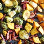 Maple Roasted Brussel Sprouts with Bacon and Sweet Potatoes, a delicious and healthy side dish for your Thanksgiving or Christmas dinner. Super easy to make, and super flavourful, this dish has a festive touch. Only one tray needed, to save you time and effort. The best family-favourite side.