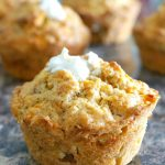 Carrot Cake Muffins with Cream Cheese Filling, incredibly moist and light, the best Easter treat after the classic Carrot Cake. The muffins are so easy to make, and are out of the oven in 15 to 20 minutes. The cream cheese is silky and refreshing, giving the muffins a delicate touch. The best carrot cake muffins baked from scratch at home. Top them with icing, and you got the perfect carrot cake cupcakes. #easter, #muffins, #carrotcakemuffins, #creamcheese, #dessert