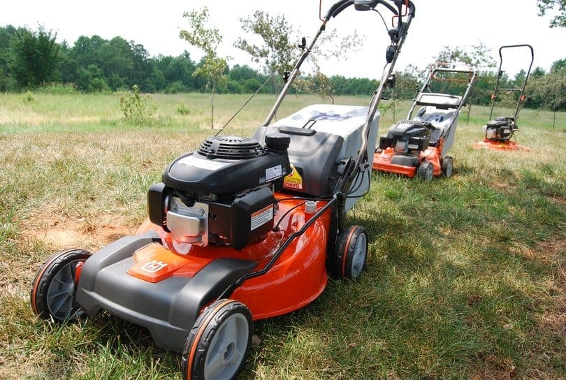 10-lawn-mower-safety-tips-4